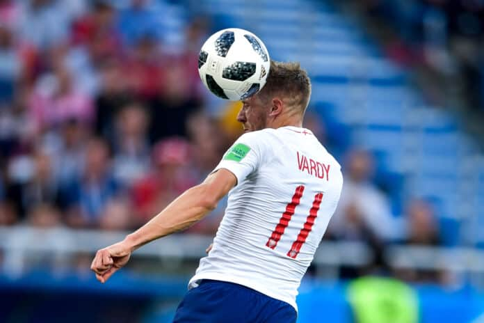 Jamie Vardy hovedstød for England